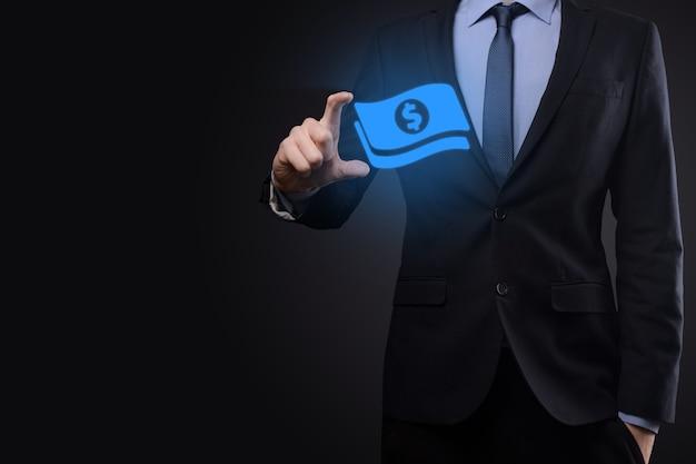 Uomo affari, uomo, presa a terra, soldi, moneta, icona, in, suo, hands., crescente, soldi, concetto, per, investimento affari