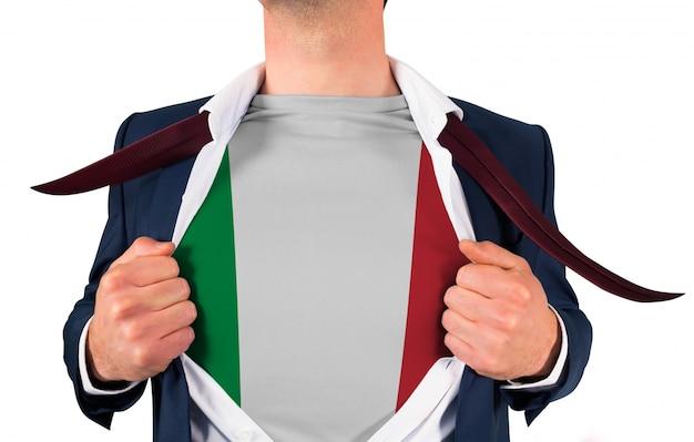 Camicia da uomo d'affari per svelare la bandiera dell'italia