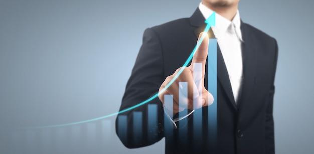 Crescita del grafico del piano d'affari e aumento degli indicatori positivi del grafico nella sua attività
