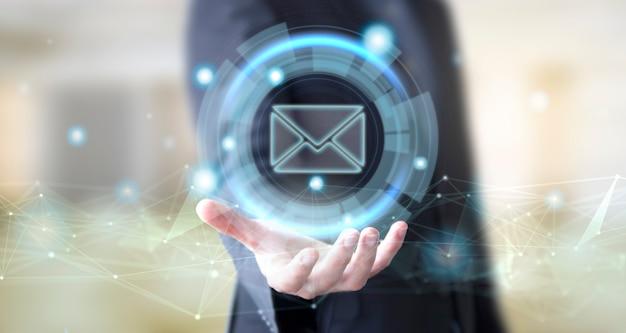 Uomo d'affari con icona posta digitale