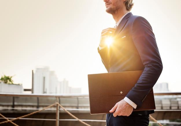 Concetto di working business busy dell'uomo d'affari
