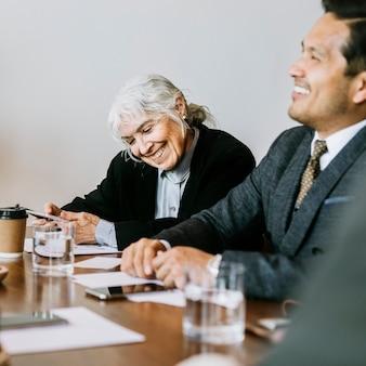 Uomini d'affari in una conferenza d'affari