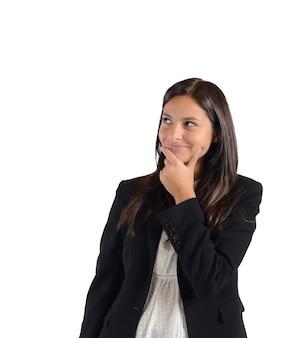 La donna d'affari inventa una bugia per dire al capo