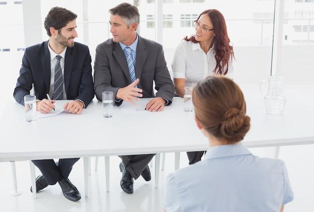 Imprenditrice in un'intervista di lavoro