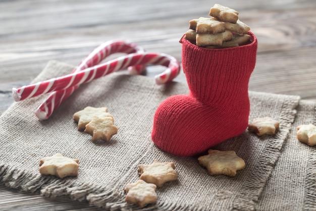 Biscotti al burro nella calza di natale