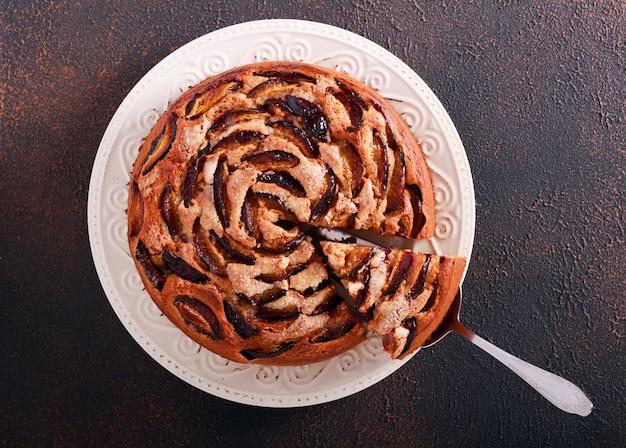 Plumcake integrale al latticello, affettato, più scuro