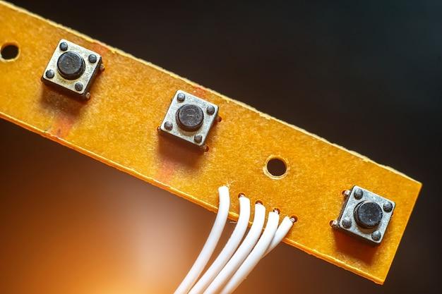 I pulsanti sul circuito si chiudono