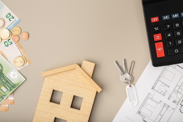 Compra o vendi un concetto di casa. mercato immobiliare. affitto di alloggi in affitto. prezzi delle case. copia spazio. vista dall'alto