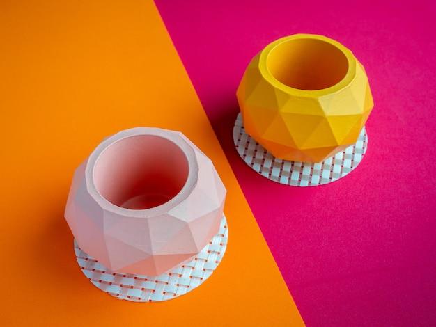 Vaso di cactus. vaso di cemento. fioriera moderna geometrica in cemento.