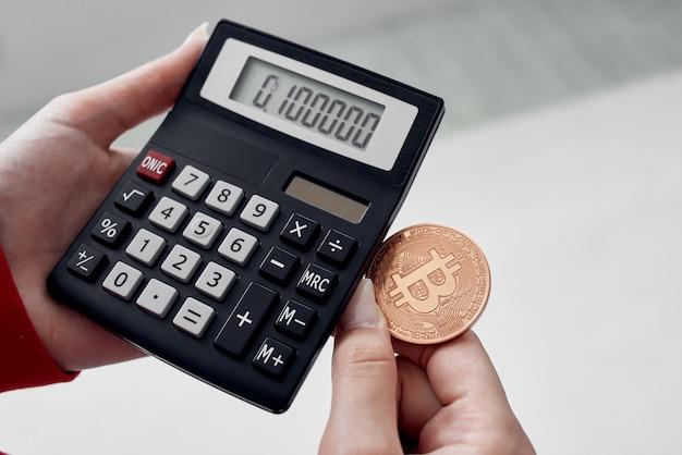 Calcolatrice criptovaluta bitcoin denaro elettronico tecnologia finanziaria