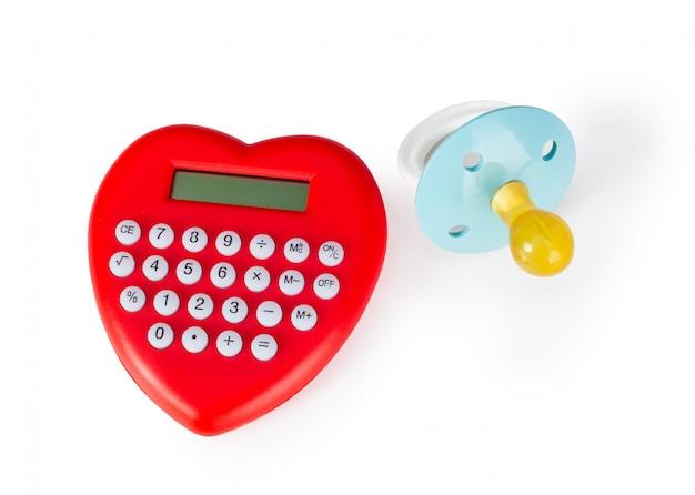 Calcolatrice a forma di cuore e ciuccio.