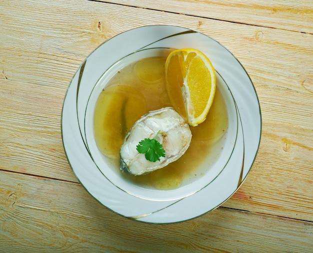 Caldillo de perro - zuppa di frutti di mare dell'andalusia, nel sud della spagna