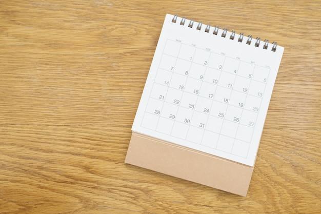 Un calendario del mese. utilizzando come sfondo il concetto di business e il concetto di pianificazione
