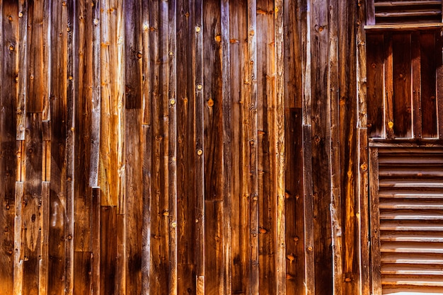 Strutture di legno di vecchio west west della california