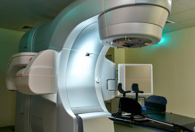 Terapia del cancro, acceleratore lineare medico avanzato in oncologia terapeutica