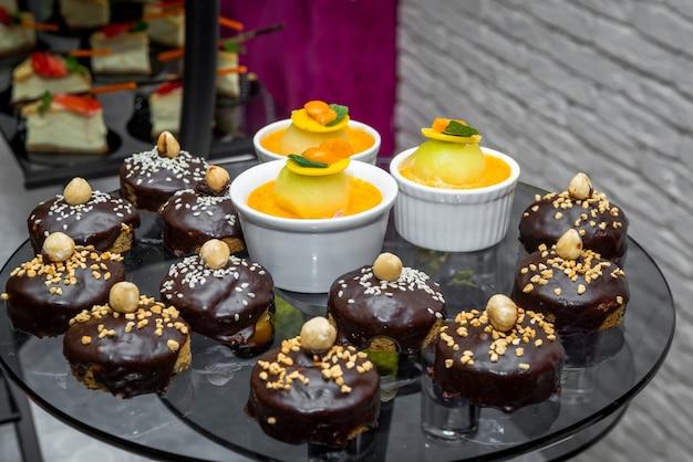 Candy bar, deliziosi dessert alla frutta catering nel ristorante