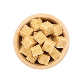 Cubetti di zucchero di canna isolato vista dall'alto