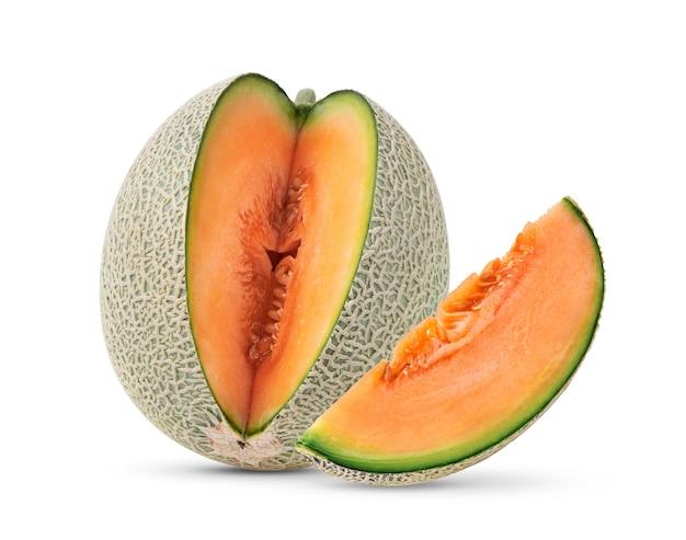 Melone cantalupo isolato su bianco