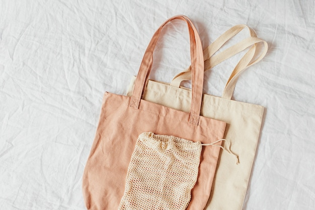 Borse in tela. borse ecologiche riutilizzabili. concetto ecologico.