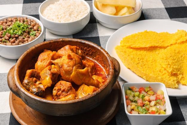 Pollo alla capoeira con cous cous brasiliano cucina brasiliana nordorientale
