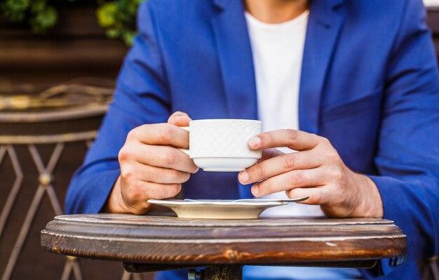 Cappuccino e tazza di caffè espresso nero.
