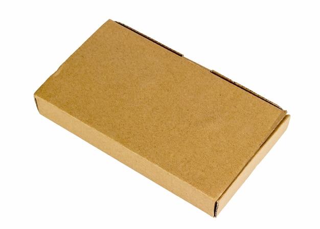 Scatola di cartone per l'immagazzinamento di confezioni regalo di pacchi postali e lo spostamento di cose nel negozio dell'ufficio di casa