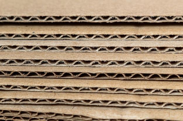 Cartone, struttura dei bordi di vista laterale di strati del cartone, alto vicino del fondo