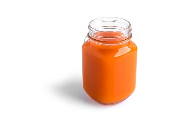 Succo di carota isolato