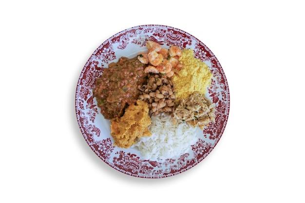 Caruru brasiliano tradizionale piatto di cibo vista dall'alto.
