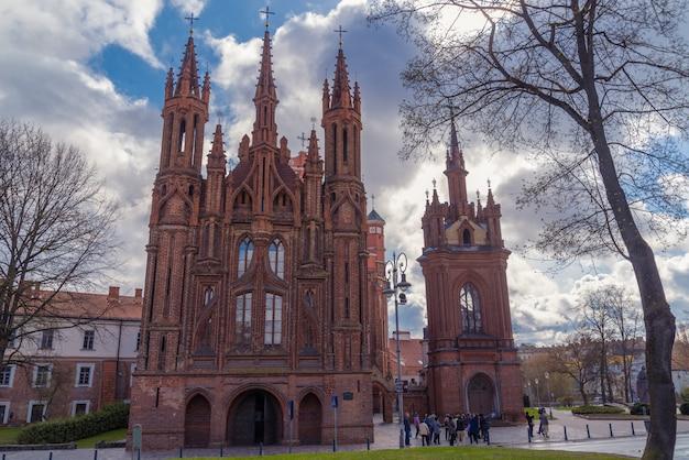 Chiese di castel sant'anna e francesco d'assisi a vilnius, lituania