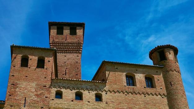 Il castello di grinzane cavour piemonte italia