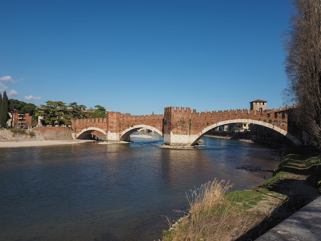 Ponte di castelvecchio detto ponte scaligero a verona