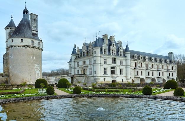 Castello chenonceau sul fiume cher