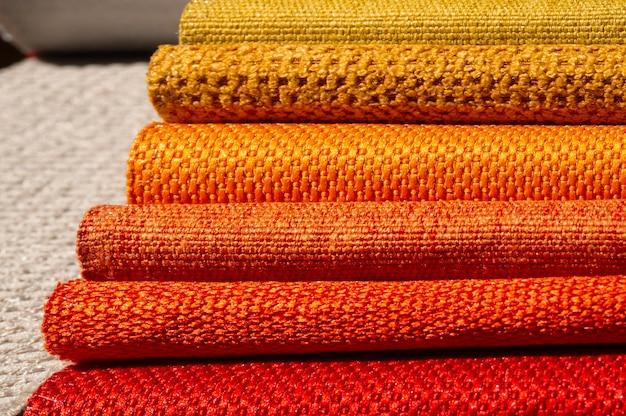 Catalogo di stoffa multicolore