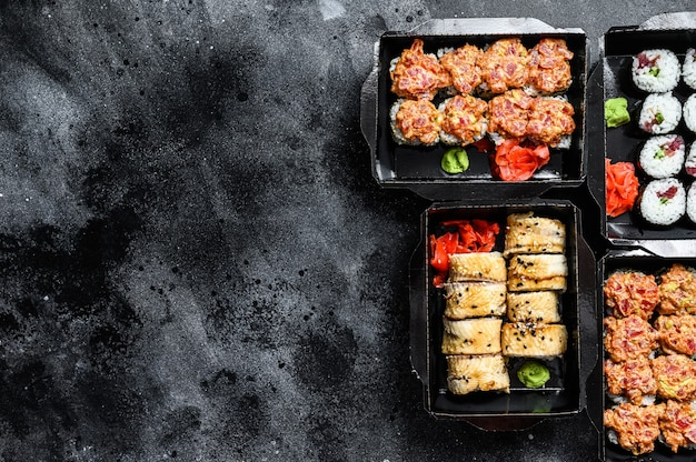 Catering, vari tipi di rotoli di sushi impostati