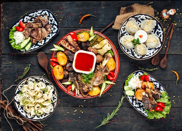 Carne degli gnocchi di manm pelmeni di cucina centroasiatica