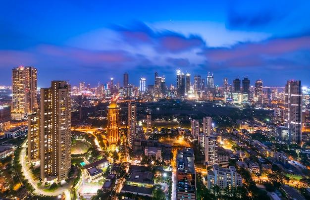 Il centro di mumbais paesaggio urbano e skyline lalbaugparel lower parel worli currey road prabhadevi