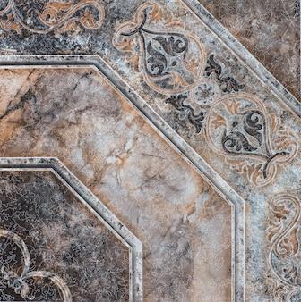 Piastrella in ceramica con motivo floreale ornamentale astratto