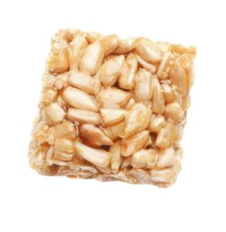Biscotto ai cereali su sfondo bianco