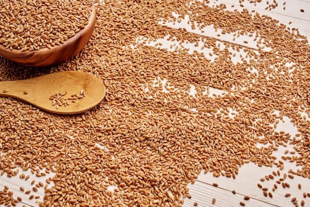 Fondo di legno della cucina degli ingredienti della prima colazione di cottura dei cereali