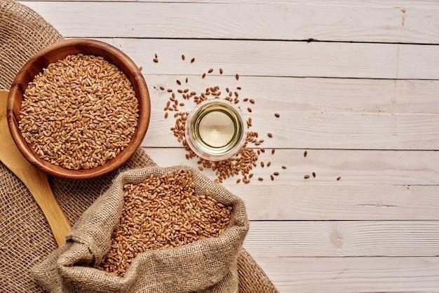 Cereali in tavola colazione salutare vista dall'alto