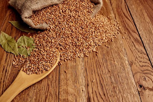 Cereali in un sacchetto cibo ingredienti naturali vista dall'alto