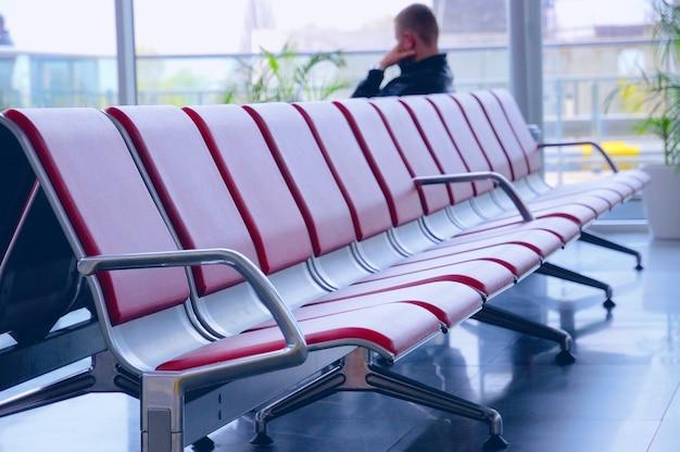 Sedie in sala d'attesa.