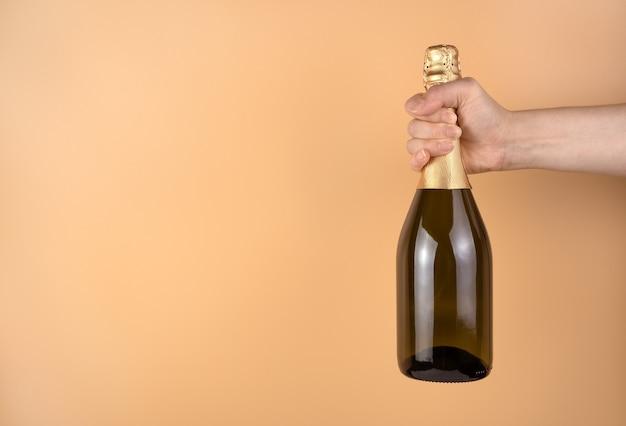 Bottiglia di champagne da vicino