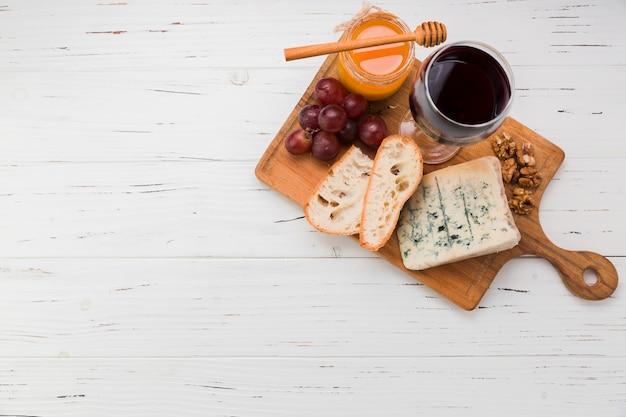 Antipasto di formaggio Foto Premium