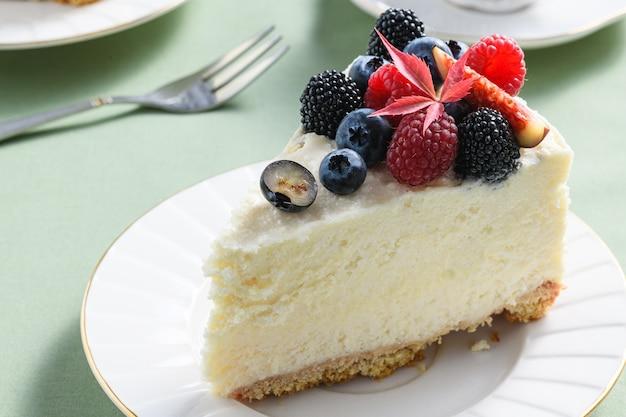 Cheesecake con fichi, frutti di bosco e caffè