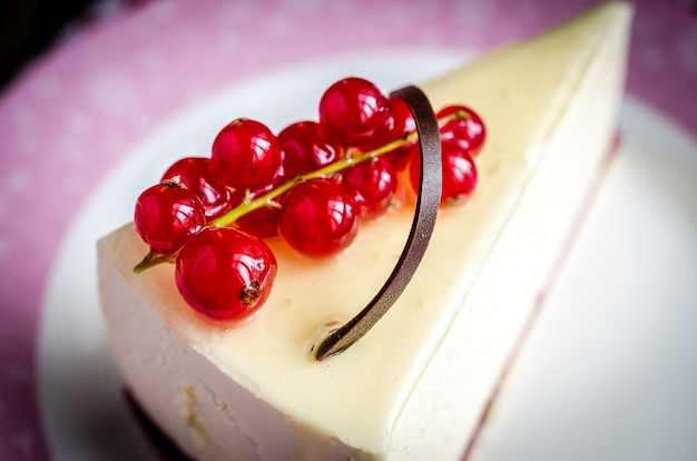 Cheesecake con ribes rosso