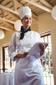 Chef in possesso di un appunti