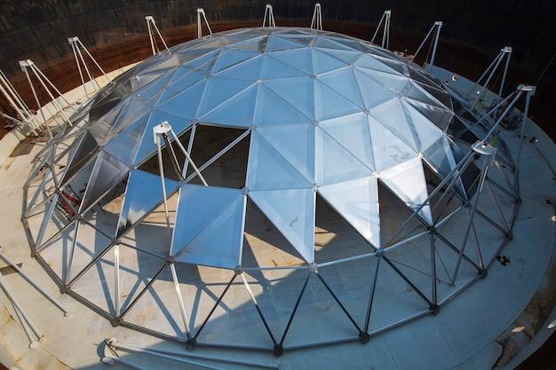L'industria chimica del petrolio e del gas con spazio limitato in alluminio a cupola del serbatoio di stoccaggio del carburante