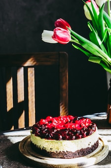 Torta casalinga di cheesecake alle ciliegie